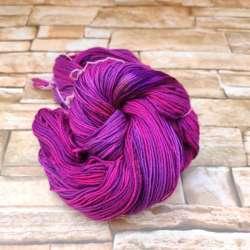 Merino DK Hand dyed fucsia